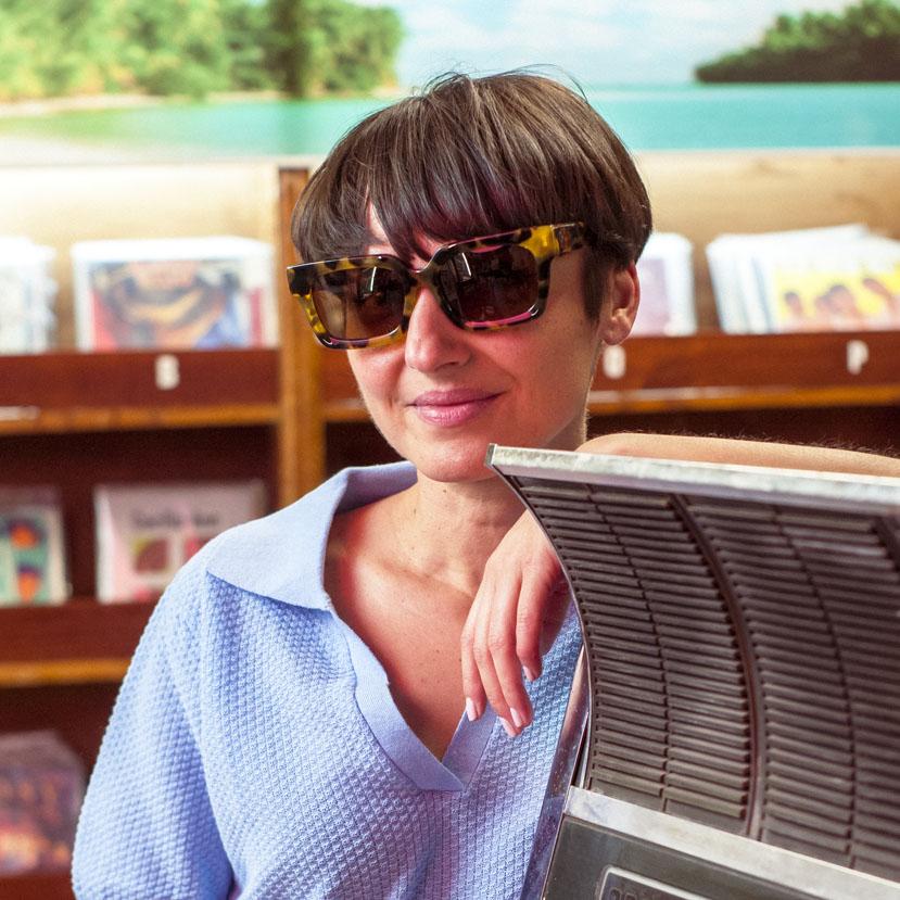 gafas-de-sol-polarizadas-rectangular-vipsual-modelé